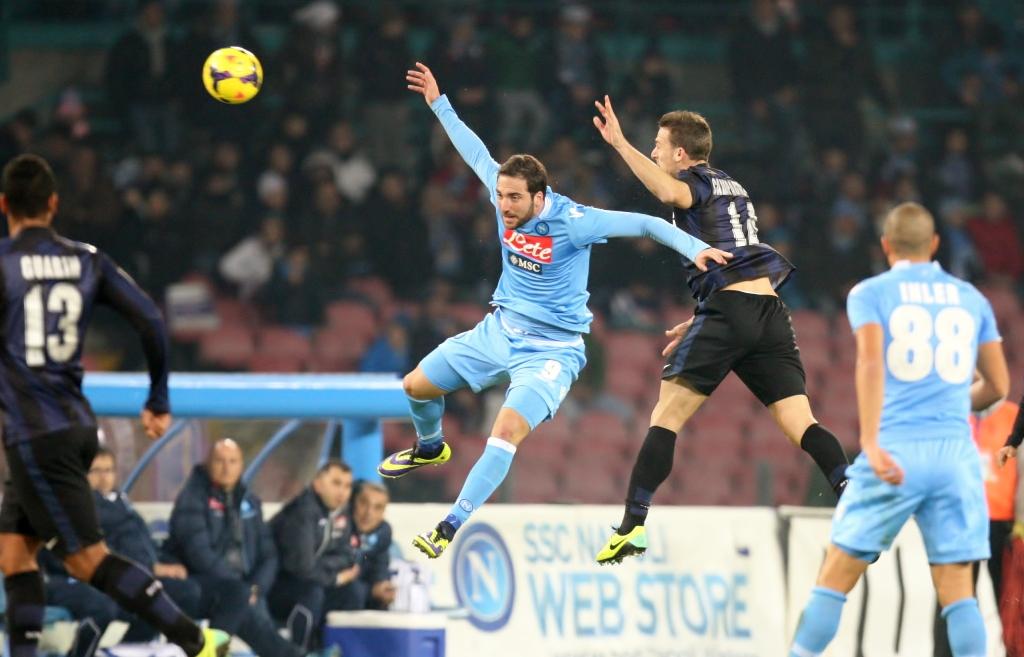 Il Napoli la spunta anche sull'Inter, vince 4-2