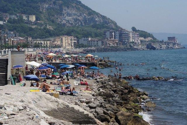 """La spiaggia del lungomare Pertini al """"bando"""" per realizzare lidi turistici"""
