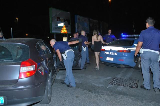 Licola, titolare di albergo arrestato per favoreggiamento alla prostitizione