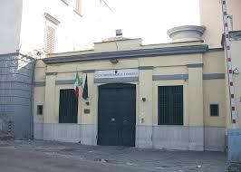 Pozzuoli, detenute in passerella