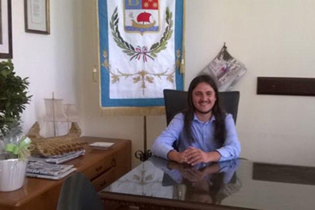 """Minacce di morte al sindaco Josi Della Ragione: """"Farai la stessa fine di Don Peppe Diana"""""""