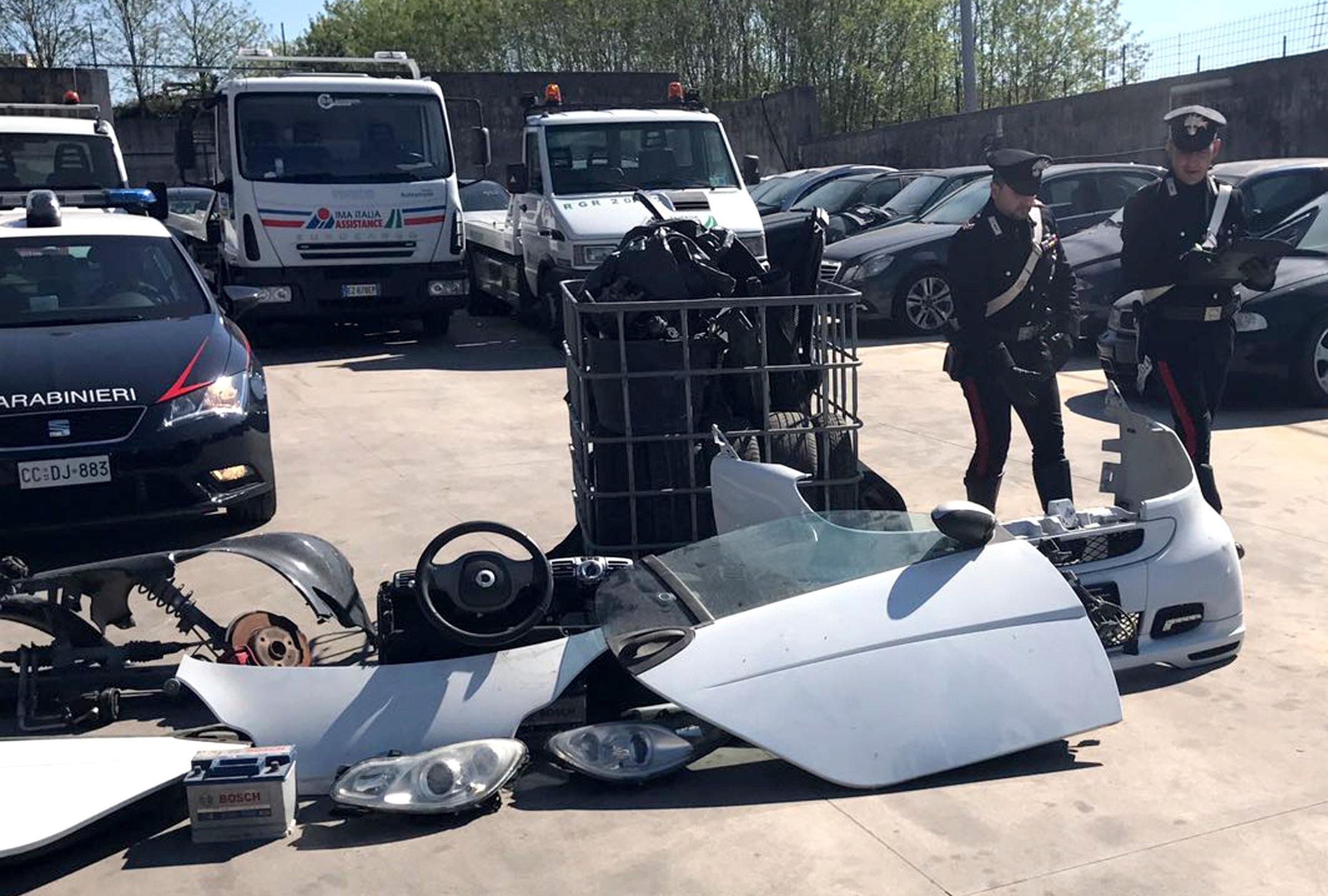 """Da Monteruscello furti con """"cavallo di ritorno"""". Sequestrata area per il riciclaggio di ricambi auto"""