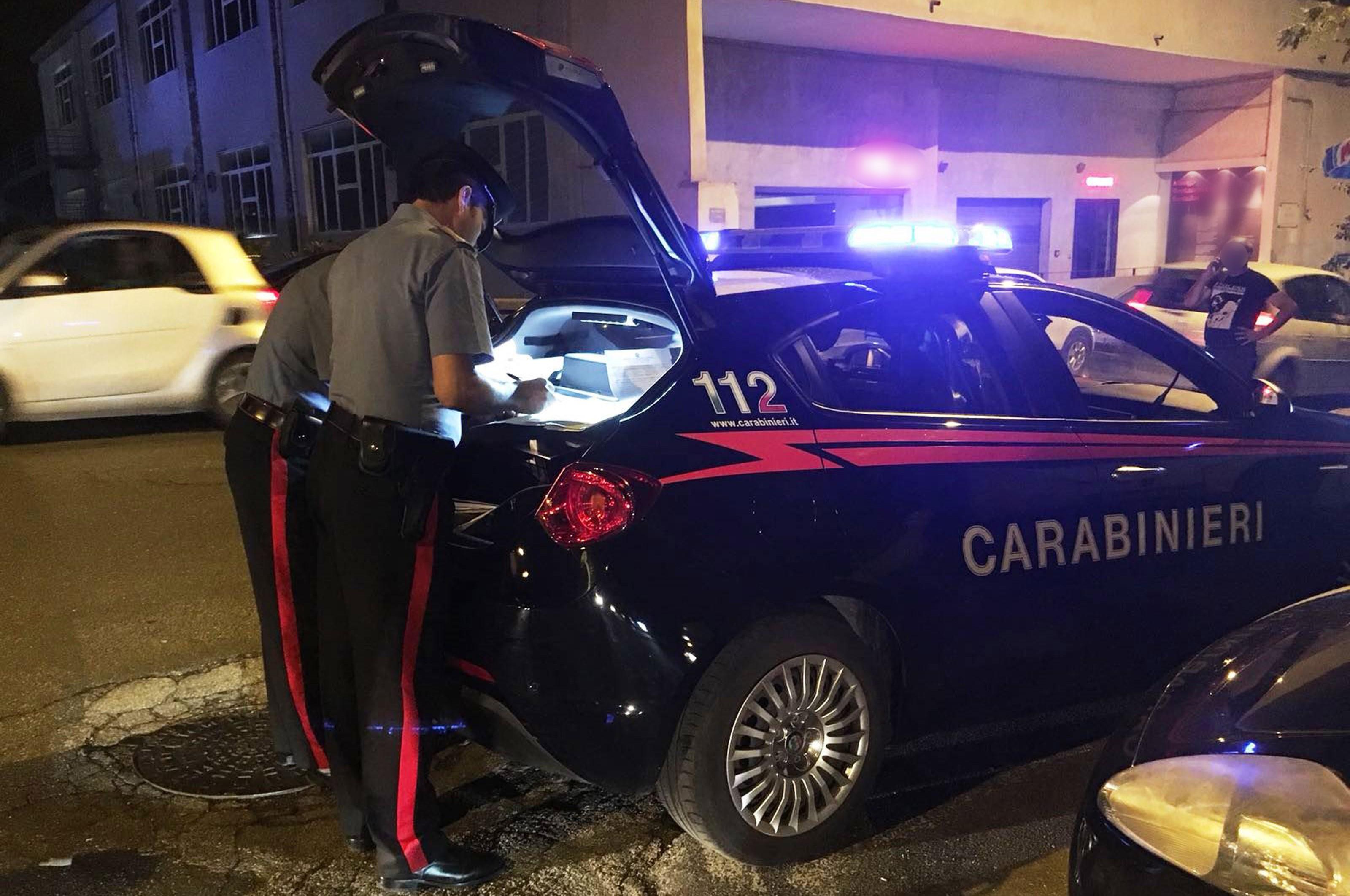 Bagnoli e Fuorigrotta, giro di vite contro i parcheggiatori abusivi