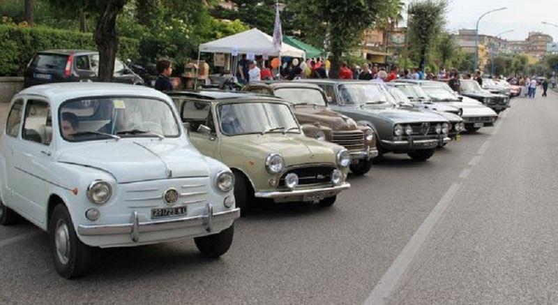 Pozzuoli, domenica raduno d'auto d'epoca per le strade della città
