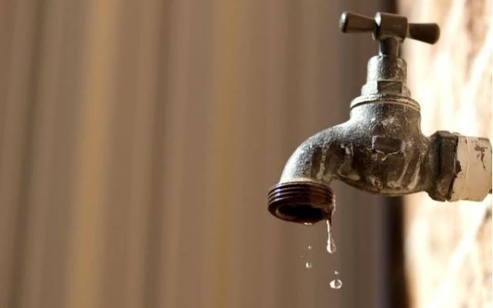 Pozzuoli, salta condotta: senz'acqua tutta la zona alta di via Cofanara