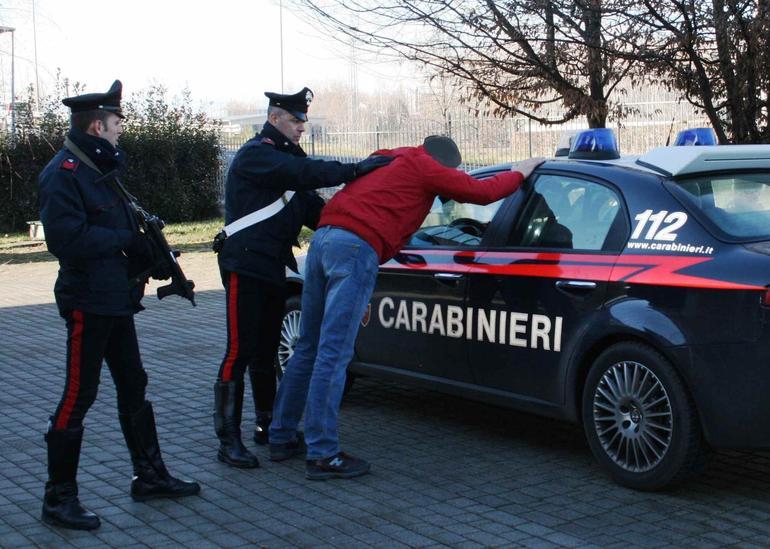 Evade i domiciliari, arrestato affiliato al clan Longobardi-Beneduce
