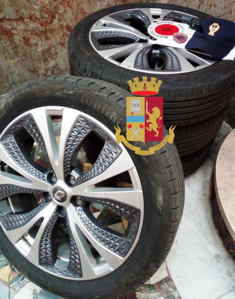 Arrestata la banda specialista nei furti di pneumatici a Napoli e provincia