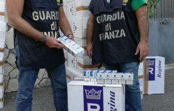 Pozzuoli, la Finanza arresta due contrabbandieri e sequestra 2 tonnellate di sigarette