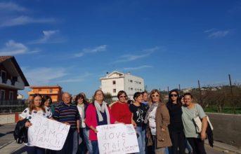 """Quarto, protesta dei residenti di via Seitolla. """"Siamo stanchi dei problemi alla strada"""""""