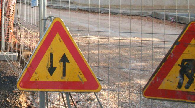 Pozzuoli, lavori in via Domiziana: strada percorribile in un solo senso di marcia
