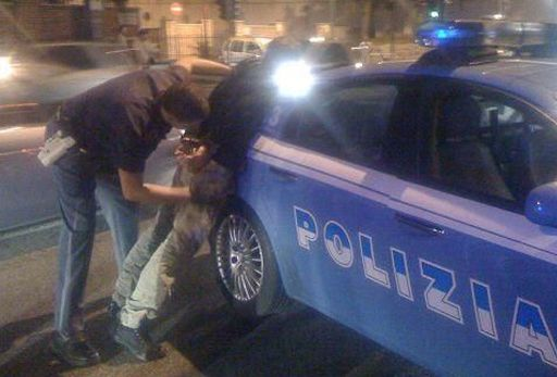 LICOLA/ Non si ferma all'alt e rischia d'investire dei pedoni: arrestato|IL NOME