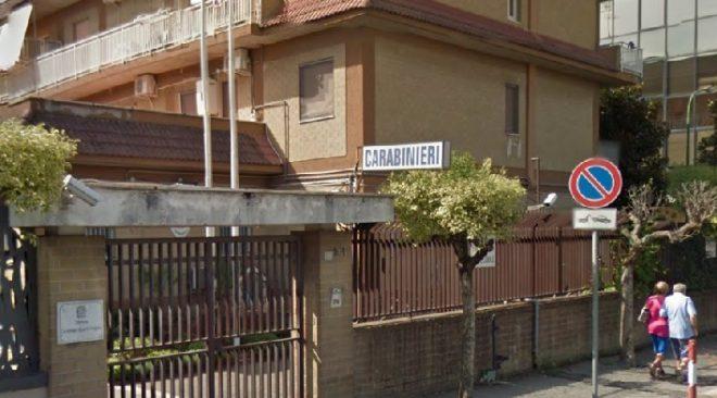 Quarto, picchia moglie, figlia e fidanzato e li chiude in casa: arrestato un 36enne
