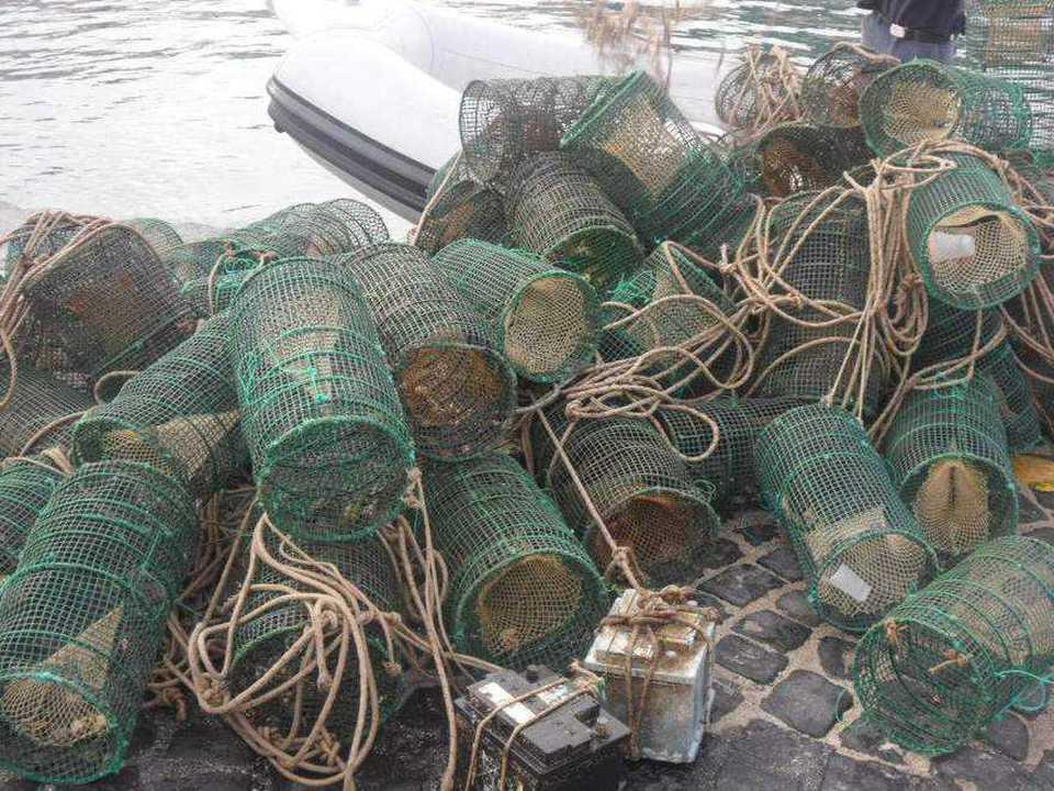 BAIA/ Sequestrate 50 nasse da pesca nell'Area Marina Protetta a Punta Epitaffio