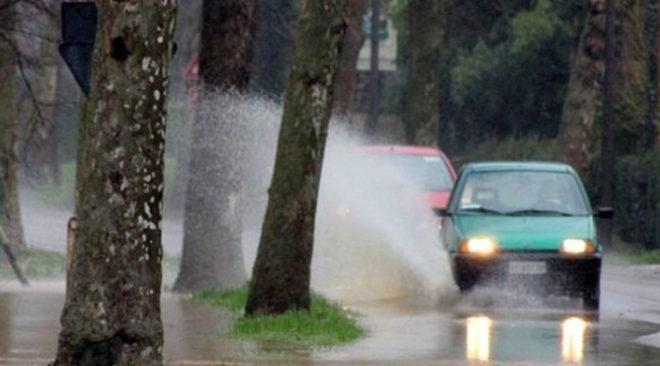 ALLERTA METEO/ Piogge torrenziali e vento forte dalle 17 di stasera fino a domani nei Campi Flegrei