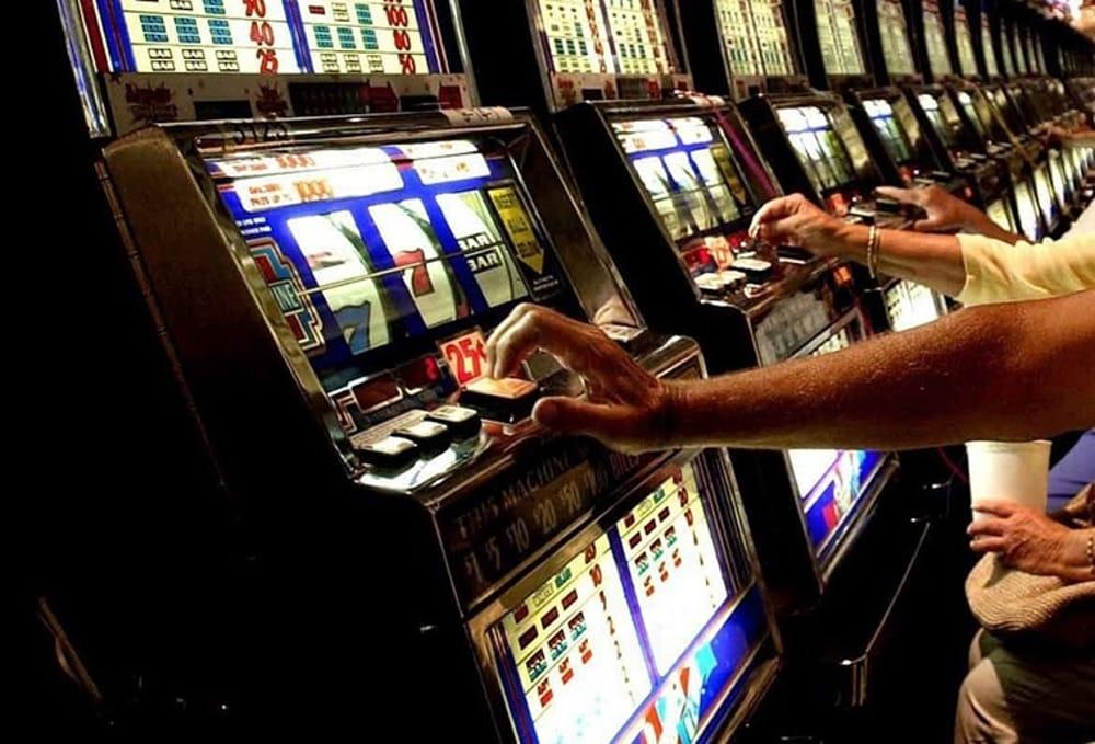 CAMPI FLEGREI/ Gioco d'azzardo, database con i dati di ogni comune