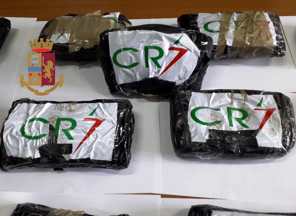"""Sequestrata """"CR7"""", 14 chili di cocaina pura che stava per arrivare al Lago Patria"""
