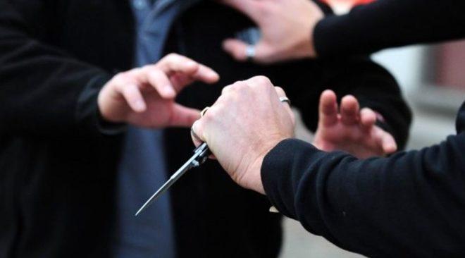 Minaccia la madre con un coltello, denunciato un trentenne