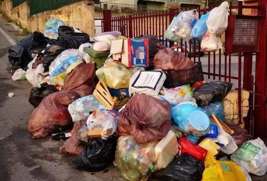 """QUARTO/ Questione rifiuti, il vice-sindaco: """"Problemi al conferimento ma differenziata non fatta bene dai cittadini"""""""
