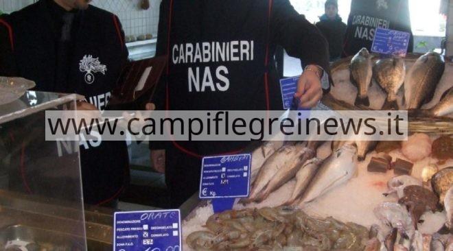POZZUOLI/ Task force dei Nas: sequestrati frutta e prodotti ittici e locali privi di autorizzazioni
