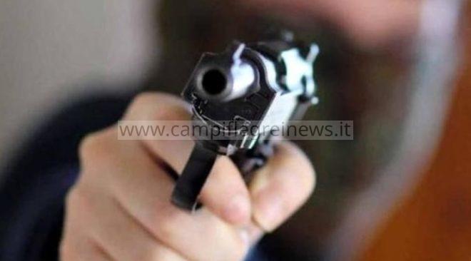 LAGO PATRIA/ Tentata rapina a mano armata ad una coppia in una stazione di servizio