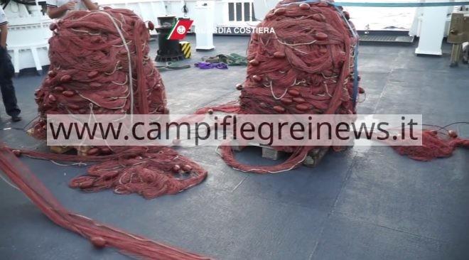 BAIA/ Duemila metri di reti da pesca sequestrati dalla Guardia Costiera nell'area marina protetta