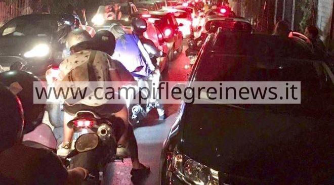 Traffico in tilt, colonna di auto da Lucrino arriva fino al Castello di Baia