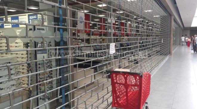 QUARTO/ Ipercoop chiuso da sabato a lunedì per riorganizzazione dopo la cessione al franchising