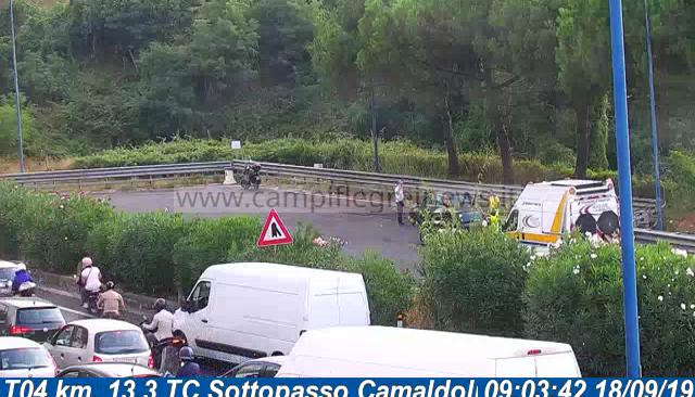 ULTIMORA/ Spaventoso incidente sulla Tangenziale, auto contro moto: un ferito