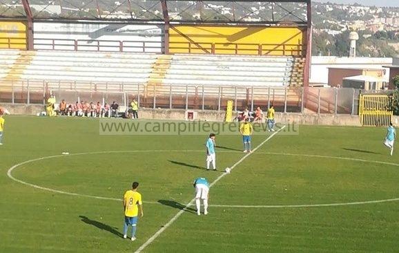 """CALCIO/ Rione Terra sprecone, al """"Conte"""" passa il Pianura per 2-0"""