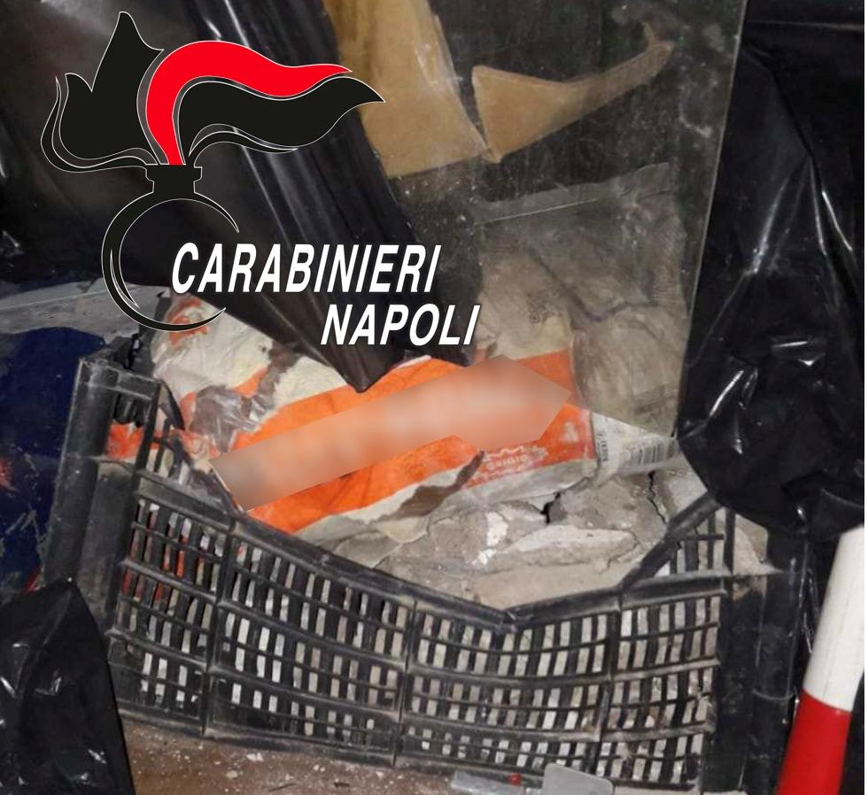 GIUGLIANO/ Sversano rifiuti vicino al campo rom: denunciate due persone