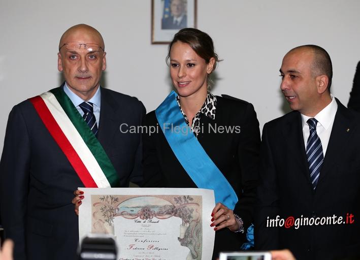 """Federica Pellegrini a Pozzuoli ritira il titolo di """"Dama di Gran Croce"""""""